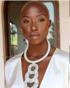 beautiful black women models in swimsuits Big Chop, Natural Hair Styles, Short Hair Styles, Bald Hair, Bald Women, Dark Skin Beauty, Black Beauty, Dark Skin Girls, Ebony Beauty