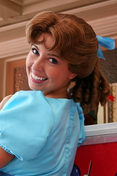 wendy darling face character.