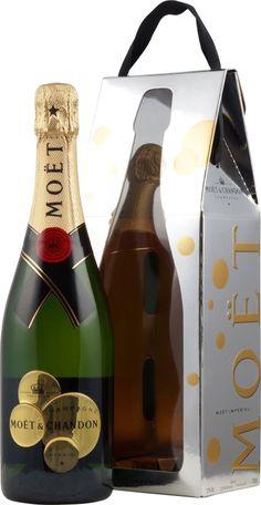 Moet Chandon Brut Imperial So Bubbly Bag Moet Chandon, Pinot Noir, Beverages, Drinks, Bubbles, Liqueurs, Bottle, Creative, Food