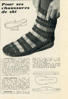 """Magazine """"En tricotant"""" n°36 - Janvier 1951. Chausson de chalet  tricotés  aux aiguilles n°2,5 avec 3 tons de laine. Semelles de basane taillée à la mesure du pied puis cousue."""