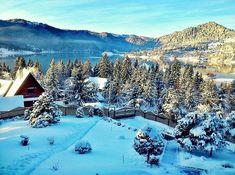 Frumusețe absolută !  Lacul Colibița - Bistrța Năsăud  Foto: Grecu Toader  #dotmedia #romania #peisaje #iarna #lac #bistritanasaud #colibita Tourist Places, Travel Tours, Travel Agency, Romania, Cathedral, Country, Building, Water, Outdoor