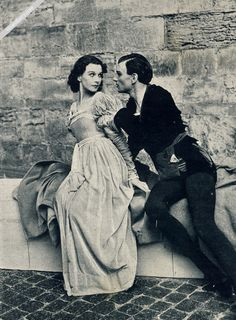 Hamlet at Elsinore, Denmark, 1937 Vintage Hollywood, Classic Hollywood, Divas, Paranormal Experience, Name That Movie, Recent Movies, Vivien Leigh, Classic Movie Stars, Gone With The Wind