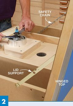 Finishing up my router table i built a router lift from a plan in 4shared ver todas las imgenes de la carpeta router lift greentooth Choice Image
