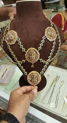 India Jewelry, Jewellery, My Photos, Saree, Necklaces, Fashion Outfits, Jewels, Fashion Suits, Indian Jewelry