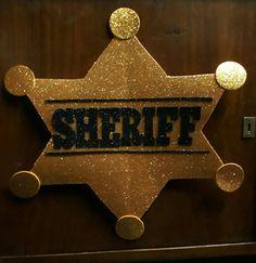 Estrella de sheriff para fiesta vaquera