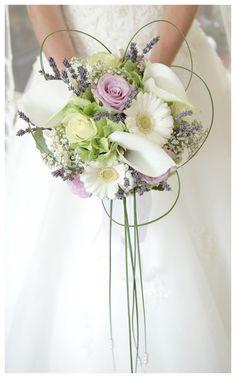 Jaaaa! Mooi bruidsboeket! Bridesmaid Flowers, Bride Bouquets, Bridal Flowers, Flower Bouquet Wedding, Floral Wedding, Wedding Colors, Wedding Car Decorations, Bridal Packages, Alternative Bouquet