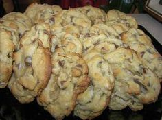 Almond Joy Cookies ~ i am so tempted to make these into muffins ~ butter, white and brown sugar, eggs, vanilla, AP flour, baking soda, salt, chocolate chips, coconut flakes, chopped almonds; mix 'em up, bake, and enjoy!