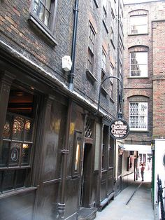 On my list: Ye Olde Cheshire Cheese Pub, London, Shakespeare went here. It's 400 yrs old Great Fire Of London, The Great Fire, London Pubs, London Hotels, Cheshire Cheese, Uk Pub, British Pub, Fleet Street, England And Scotland