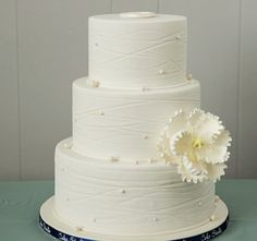 Featured Wedding Cake: Cake Studio; Daily Wedding Cake Inspiration (New!). To see more: http://www.modwedding.com/2014/07/18/daily-wedding-cake-inspiration-new-2/ #wedding #weddings #wedding_cake Featured Wedding Cake: Cake Studio