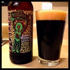 Cerveja Dank Tank Some Strange, estilo Imperial / Double IPA, produzida por Sweetwater Brewing, Estados Unidos. 10% ABV de álcool.