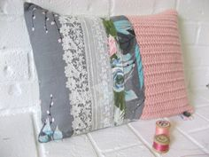 Love this idea of the different textures in one pillow