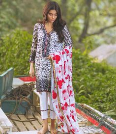 Mina Hasan Embroidered Chiffon Suits Collection 2016 Volume-2 MH_7