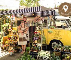 Flower truck Studio Lily http://www.farmrio.com.br/adorofarm/flores-itinerantes/
