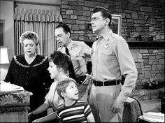 Aunt Bee, Thelma Lou, Opie, Barney & Andy practicing for a singing contest