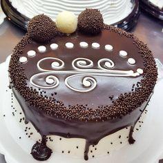 Torta de Brigadeiro e Leite Ninho. #tortaspolos (em Polos Pães e Doces)
