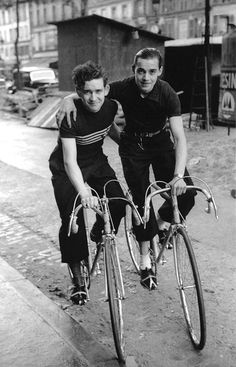 Fred Stein - Cyclists, Paris 1937. S)
