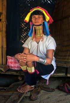 Palaung woman with elongated neck, Tachilek, Myanmar http://exploretraveler.com/ http://exploretraveler.net