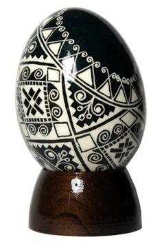 Pêssanka tradicional em ovo de galinha.