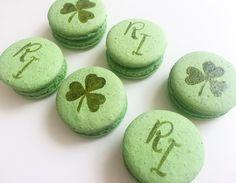 Bom dia! Mais uma personalização linda by @_jutoledo para St. Patrick's day! #maymacarons #macarons #macaronspersonalizados #nossosmacarons #macaronspintadosamao