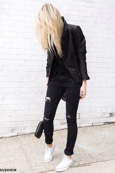 pop of color white converse x black ripped skinny jeans