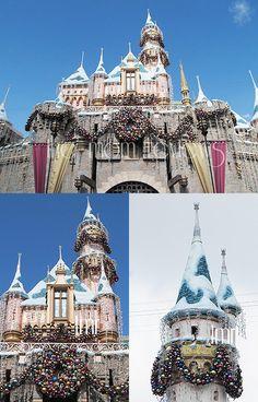 Disney's Christmas day parade at Disneyland, CA