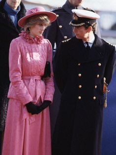 British Royalty Westminster Pier London England November 1982 Prince Charles Princess Diana ready to greet Queen Beatrix and Prince Claus of the. Lady Diana Spencer, Charles And Diana, Prince Charles, Prince And Princess, Princess Of Wales, Princess Diana Pictures, Diana Fashion, Diane, Before Wedding