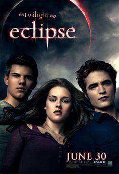 Still of Kristen Stewart, Taylor Lautner and Robert Pattinson in The Twilight Saga: Eclipse (2010) http://www.movpins.com/dHQxMzI1MDA0/the-twilight-saga:-eclipse-(2010)/still-3602153984