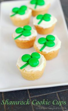 These cute Shamrock Cookie Cups are perfect for any St. Patricks Day celebration!