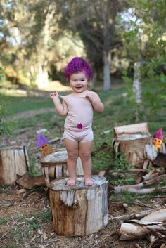 costume de déguisement de Troll aux cheveux violets et ensemble en beige pastel