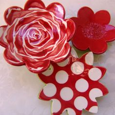 Red Rose ceramic dish set for your Valentine  by:-maryjudy