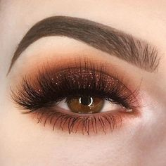 If you want to transform your eyes and improve your natural beauty, finding the very best eye make-up tips and hints will help. You want to make sure to wear make-up that makes you start looking even more beautiful than you are already. Sexy Eye Makeup, Dramatic Eye Makeup, Heavy Makeup, Glitter Eye Makeup, Natural Eye Makeup, Eye Makeup Tips, Fall Makeup, Makeup Goals, Skin Makeup