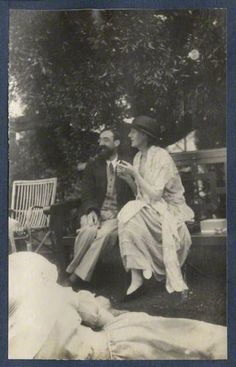Wouldn't you love to hear what Virginia Woolf and Lytton Strachey were discussing on that lovely bench in the garden? And who's that in the foreground listening in?