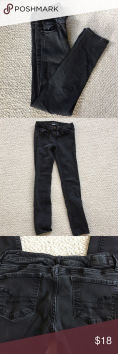 Black American Eagle Skinny Super Stretch Jeans ✧・゚: *✧・゚:*READ ME*:・゚✧*:・゚✧ 🌀 Black super stretch skinny jeans from American Eagle. Previously loved but in good condition. Black has faded a bit from washing. Size is 4 regular, low rise.  ✧・゚: *✧・゚:*REMINDERS*:・゚✧*:・゚✧ 🌀 Use the offer button!  🌀 Ship same day except after 3pm EST & Sunday 🌀 Smoke free home  🌀 Pet friendly home - no shedding!  🌀 What you see is what you get  🌀 Ask questions and/or make an offer! American Eagle…