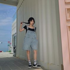 Ulzzang Fashion, Ulzzang Girl, Korean Fashion, Preety Girls, Jung Yoon, Grunge Girl, Overall Shorts, Korean Girl, High Waisted Skirt