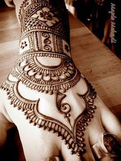 Henna+Hand: