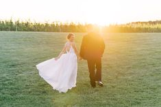 Home - Lindsey Ford Photography - Central PA Wedding Photographer Bridal Dress Shops, Bridal Gowns, Groom And Groomsmen Attire, Magical Wedding, Vineyard Wedding, Event Styling, Wedding Pictures, Gown Designer, Cake Bakery