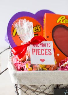 Reese's Valentine Printables - download for free for a cute and easy Valentine's gift! #ad