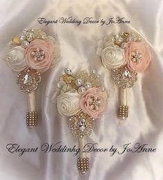 Affordable Wedding Ideas That Don't Look Cheap Wedding Brooch Bouquets, Corsage Wedding, Bride Bouquets, Romantic Weddings, Elegant Wedding, Floral Wedding, Vintage Weddings, Lace Weddings, Corsage And Boutonniere