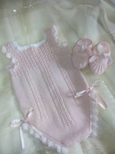 Extreme Cute Knitted Baby Rompers – Knitting And We Newborn Crochet Patterns, Baby Patterns, Crochet Baby, Free Crochet, Baby Romper Pattern, Knitted Baby Cardigan, Girl With Hat, Baby Outfits, Free Knitting