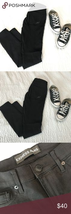 Express Stella skinny jeans These are the perfect staple to your closet. They are so soft and stretchy. Low rise but I'd say they fit like an in between of low and mod rise. Selling bc I have 2 pairs. Express Jeans Skinny