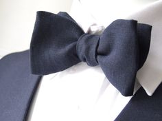 Linen Bow Tie dark navy blue freestyle bowtie self by bagzetoile, $28.00