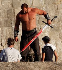 Setting up shot for Ser Gregor Clegane, 'The Mountain'/Hafþór Júlíus Björnsson for when Cersei comes with her request... (S4, E7)