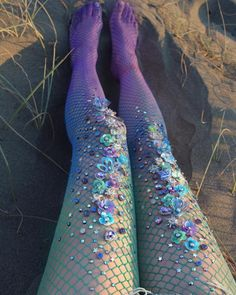 Designer Lirika Matoshi has created stockings that look like mermaid tails. Her mermaid tights are covered in jewels and are inspired by the ocean. Fishnet Tights, Fishnet Stockings, Sparkly Tights, Mermaid Tights, Mermaid Clothes, Mermaid Outfit, Mermaid Parade, Hallowen Costume, Halloween Outfits