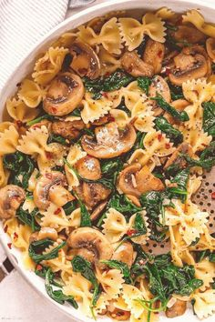 #Healthy #quick #dinner #skillet #parmesan Parmesan Spinach Mushroom Pasta Skilletbrp classfirstletterThe competent piece We Offer You About parmesanpCharacteristic of The Pin Parmesan Spinach Mushroom Pasta SkilletbrThe pin registered in the Healthy quick dinner board is selected from among the pins with high piece quality and suitable for use in different areas Instead of wasting time between a huge number of alternatives on Pinterest it will save you time to explore the best choice… Quick Easy Meals, Easy Dinner Recipes, Healthy Dinner Recipes, Pasta Recipes, Vegetarian Recipes, Dinner Ideas, Healthy Meals, Quick Recipes, Healthy Recipes
