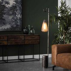 Industriel gulvlampe i metal og ætset glas Entryway Tables, Cabinet, Storage, Metal, Victorious, Furniture, Home Decor, Design, Products