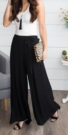 19 Cheap Palazzo Pants You Must Buy - My Stitch fix StyleBlack I just adore this pair of palazzo pants. This palazzo pants go well with all my tops and blouses and shirts. Best List of amazing list of Palazzo Pants Outfit for Work,Su Palazzo Pants Outfit, Flowy Pants Outfit, High Waisted Palazzo Pants, Summer Pants Outfits, Wide Leg Palazzo Pants, Gaucho Pants Outfit, Women's Pants, Casual Clothes, Fashion Clothes