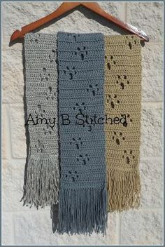 A Stitch At A Time for Amy B Stitched: Meandering Paw Prints FREE Scarf Pattern – Knitting and crocheting Col Crochet, Crochet Bolero, Crochet Baby, Crochet Stitches Free, Crochet Woman, Crochet Crafts, Crochet Projects, Knitting Patterns, Crochet Patterns