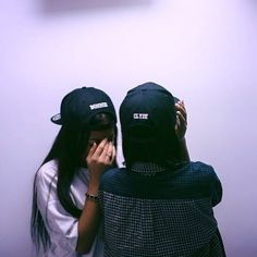 Hat bonnie and clyde bonnie clyde matching couples couple cute fashion dope black cap snapback snapback Best Friend Fotos, Go Best Friend, Best Friends Forever, Tomboy Fashion, Cute Fashion, Best Friend Pictures, Friend Photos, Mein Style, Gal Pal