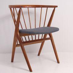 Helge Sibast, Spindle back chair, Model 8.