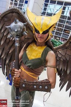 Omg yes i have been looking for a good Hawk girl cosplay forever this is epic she is my fave